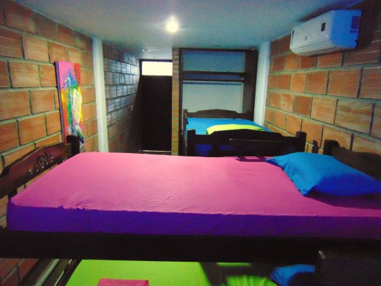 Santa Marta District, Colômbia: Dormitorio con 3 camarotes, capacidad para 6 personas