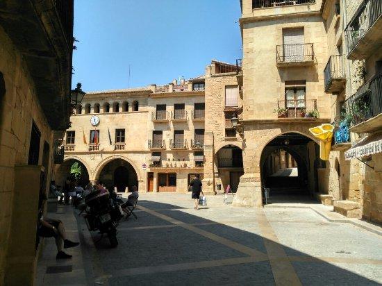 Calaceite, Spain: Plaza de España