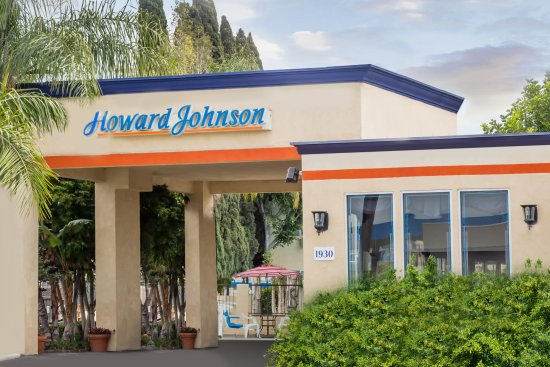 Howard Johnson Inn and Suites-Orange: HD Front Building