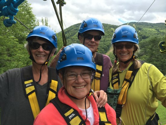 Mount Sunapee, Нью-Гэмпшир: The Ladies from Reading!
