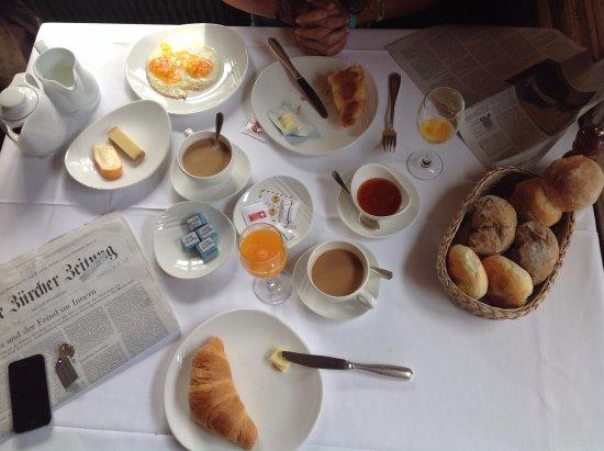 Gasthof Schiff: perfektes Frühstück mit frisch gepresstem Orangensaft