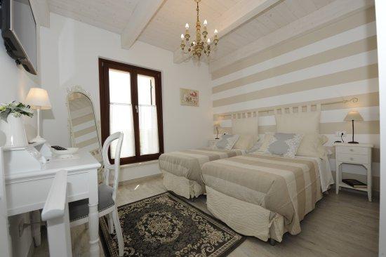 Camera doppia con bagno privato bild von b b corte caselle