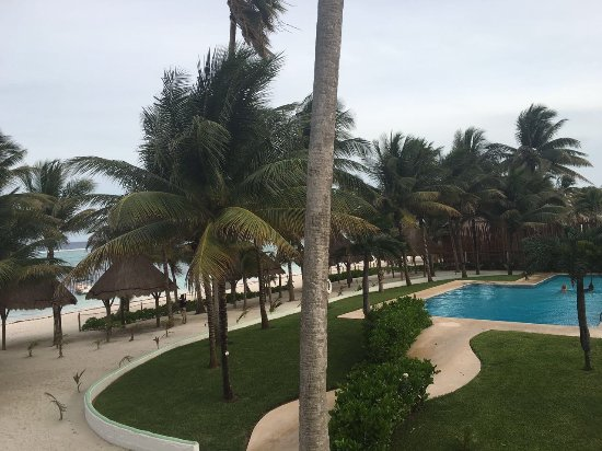 Hotel Akumal Caribe: this is the view from our hotel room