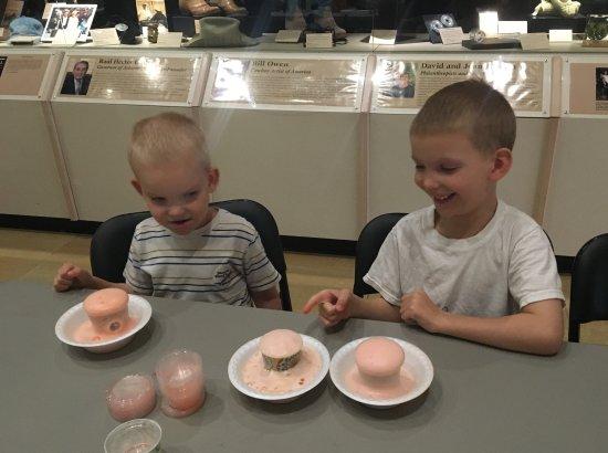 Tempe, AZ: Summer fun: Volcanoes!