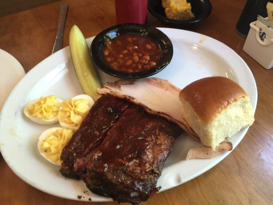Mountain Home, AR: Wow awesome BBQ! Found on trip advisor and wasn't disappointed. Passing through and glad we stop