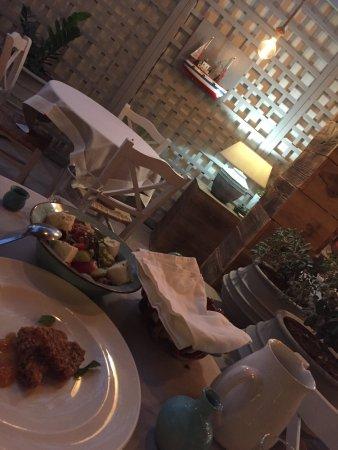 Medousa Restaurant: photo0.jpg