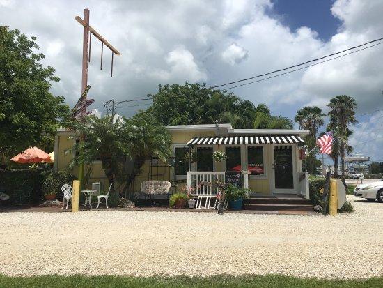 Summerland Key, FL: Sugarloaf Food Company