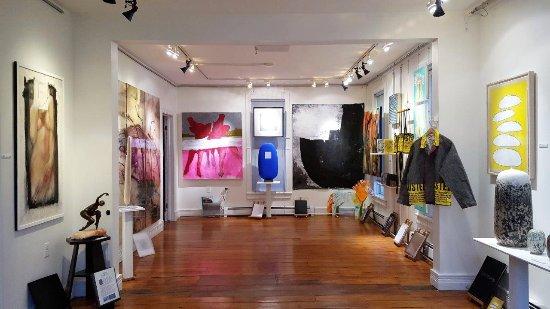 High Falls, estado de Nueva York: Artists of the Shirt Factory Group Show