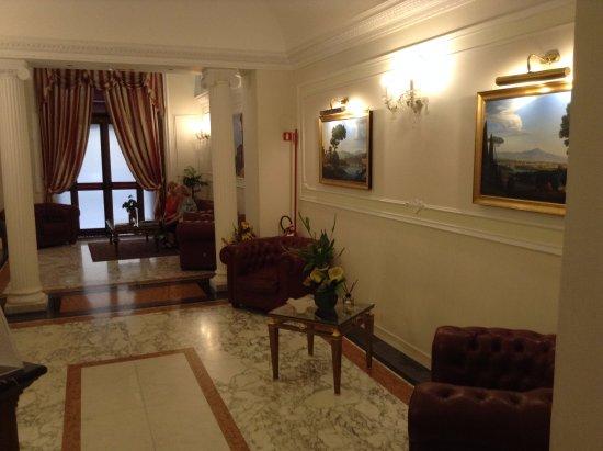 Hall d\'entrée - Bild von Hotel Contilia, Rom - TripAdvisor