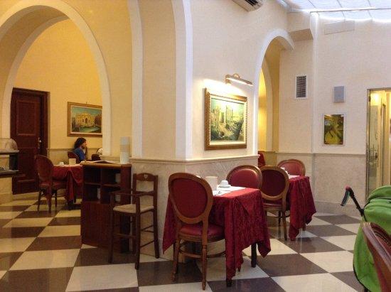Hotel Contilia: Salle à manger