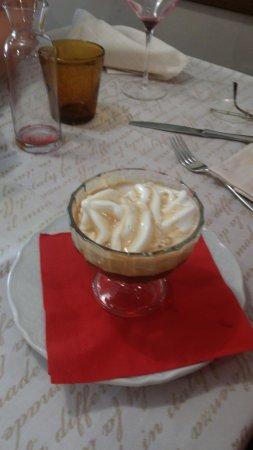 Trevi, Italy: gelato artigianale al caffe