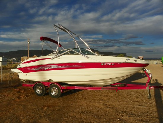 Big Water, UT: 24' Crownline