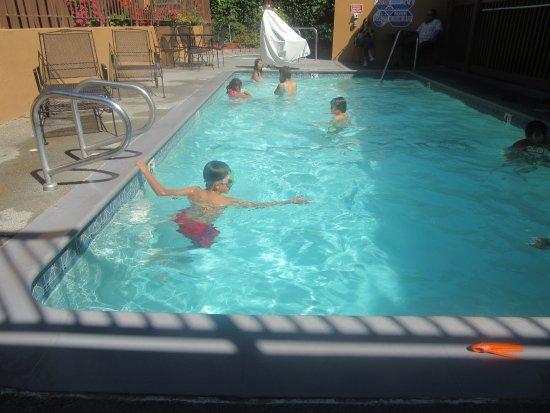 วัตสันวิลล์, แคลิฟอร์เนีย: Heated Pool