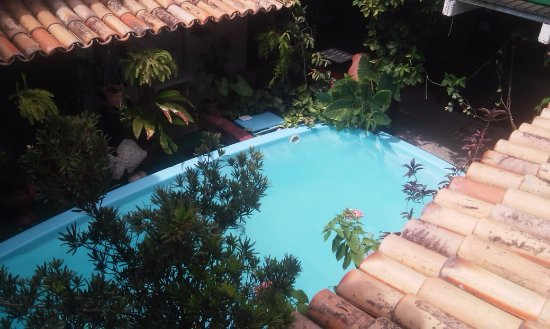 Hostel Villas Boas: Piscina vista do segundo andar