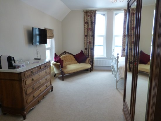 South Molton, UK: Room1. Superior King size room with en-suit