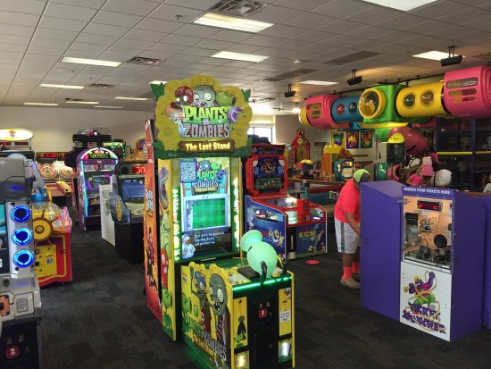 Inside view - Picture of Chuck E. Cheese's, Sugar Land ...