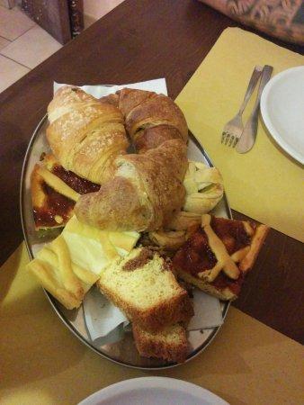Arcevia, Italia: colazione