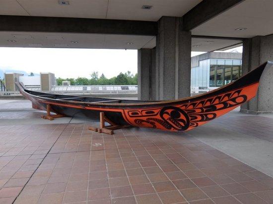 Simon Fraser University: Bill Reid Eagle Canoe