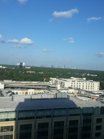 Hotel Sorella CITYCENTRE: Incredible view of Houston from top floor