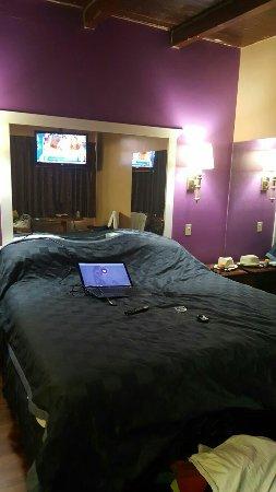Park Cienega Motor Hotel