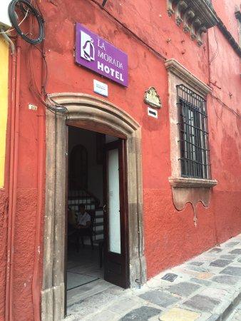 La Morada Hotel: Entrance to hotel