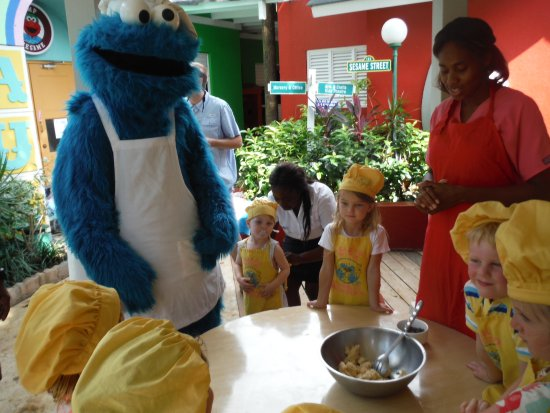 Beaches Negril Resort & Spa: Baking cookies with cookie