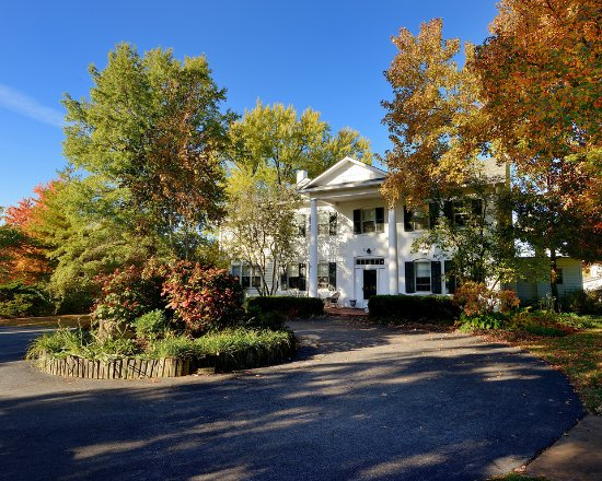 New Haven, MO: The Manor House