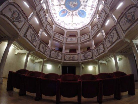 Monte Castello di Vibio, إيطاليا: 99 posti ... unici