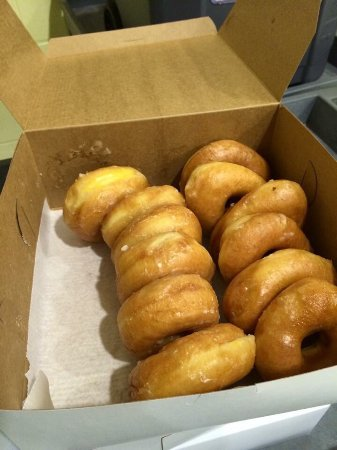 Dixie Cream Donuts