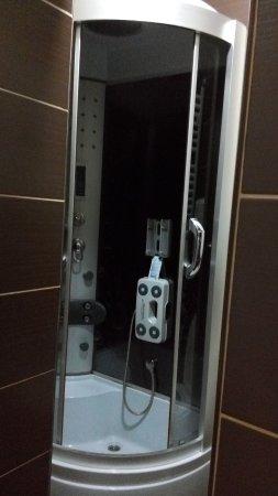 Vranje, เซอร์เบีย: Hydromassage shower