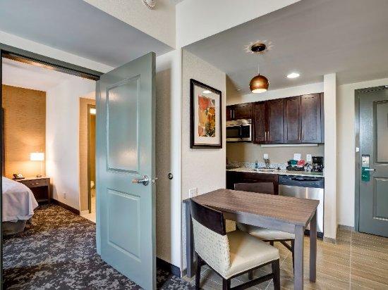 Christiansburg, VA: Suite Kitchenette