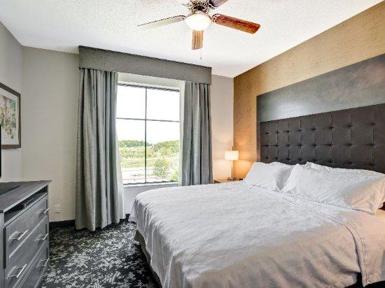 Christiansburg, VA: Suite Bedroom