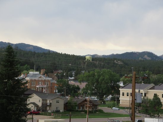 Shady Rest Motel: downtown Custer from my cabin's porch