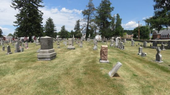 Cumberland County Historical Society : Old Cemetery