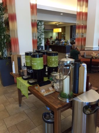 Phoenixville, Pensilvanya: Fresh coffee available 24 hrs a day, USA today papers available, great meeting area
