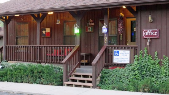 Shadow Mountain Lodge and Cabins: Office