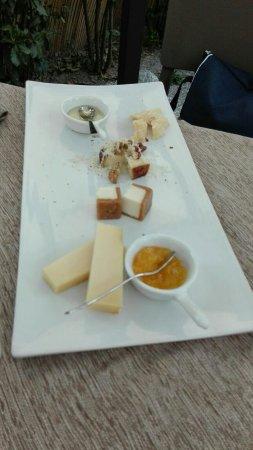 Signa, İtalya: Tagliere di formaggi