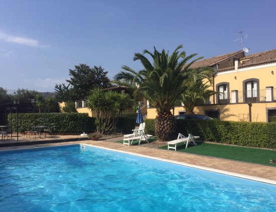 Piedimonte Etneo, Italia: Loved the pool!