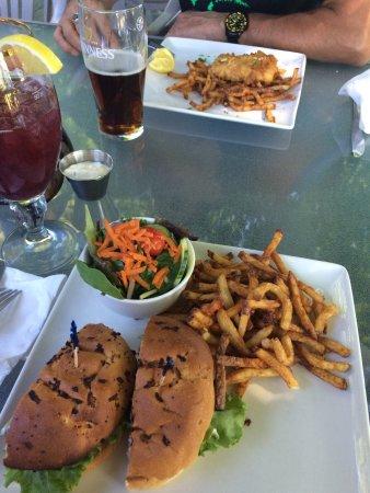 Hinchinbrooke, Kanada: I fell in love with those fries!!
