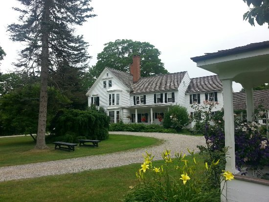 Bethlehem, CT : The Bellamy-Ferriday House & Garden
