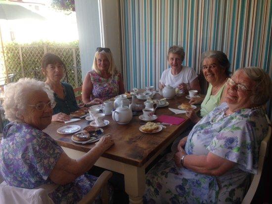 Charmouth, UK: Birthday celebration cream tea