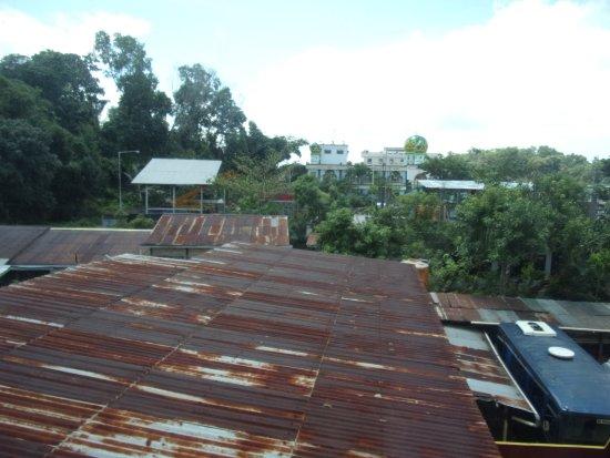 Tarakan, Indonésie : Pemandangan dari kamar lantai dua