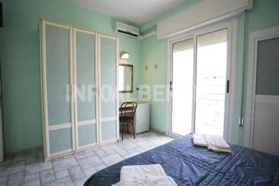 Camera da Letto - Picture of Hotel Italia, Gatteo a Mare ...