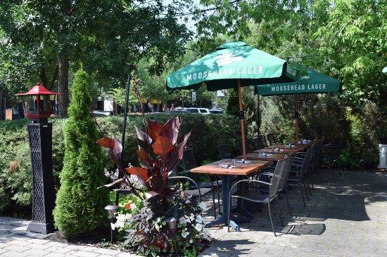 Beaconsfield, Canadá: Nice patio