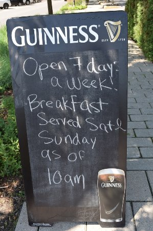 Beaconsfield, Kanada: Weekend breakfast - but at 10