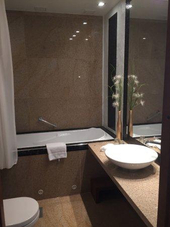 Savoy Boutique Hotel: Soaking Tub