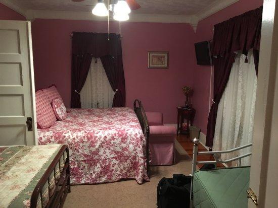 Prairie House Manor: My Rose Garden
