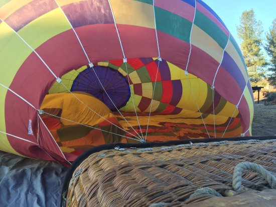 Темекула, Калифорния: Hot air balloon ride with Grape Escape!