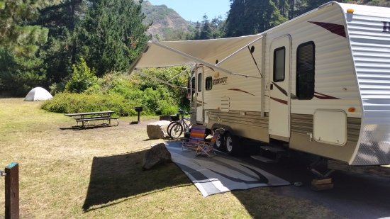 Plaskett Creek Campground: Site 12 has nice BBQ and table