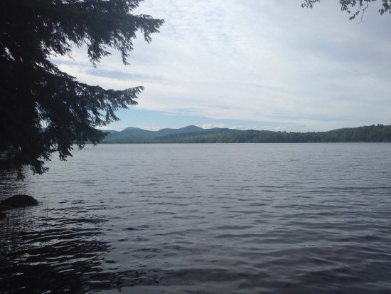 Wilton, ME: My family loved it here! Comfortable, clean, incredible access to the lake. We will be going bac